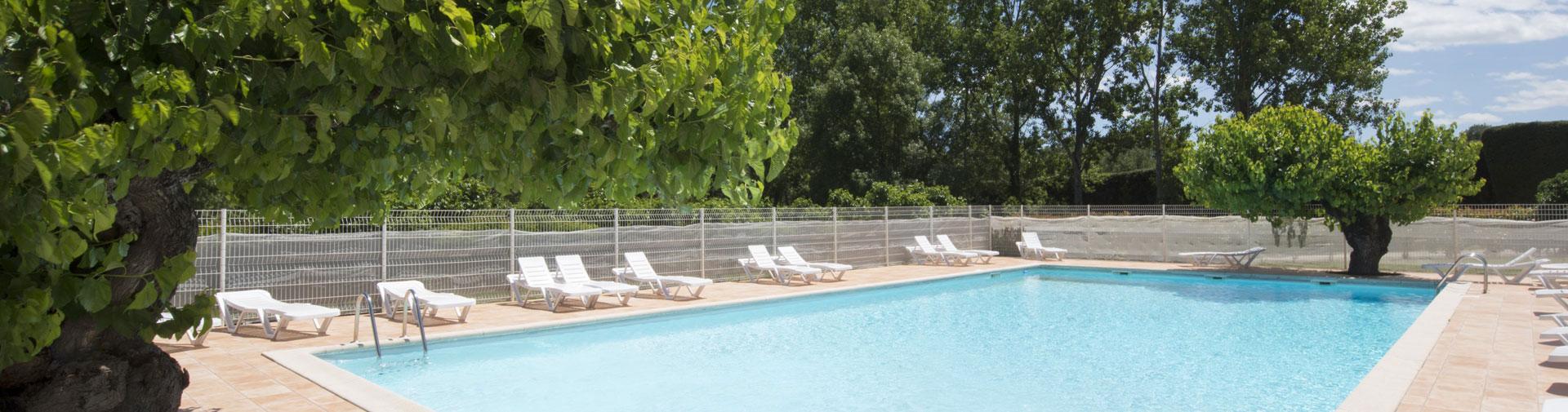 camping-gard-piscine-plein-air