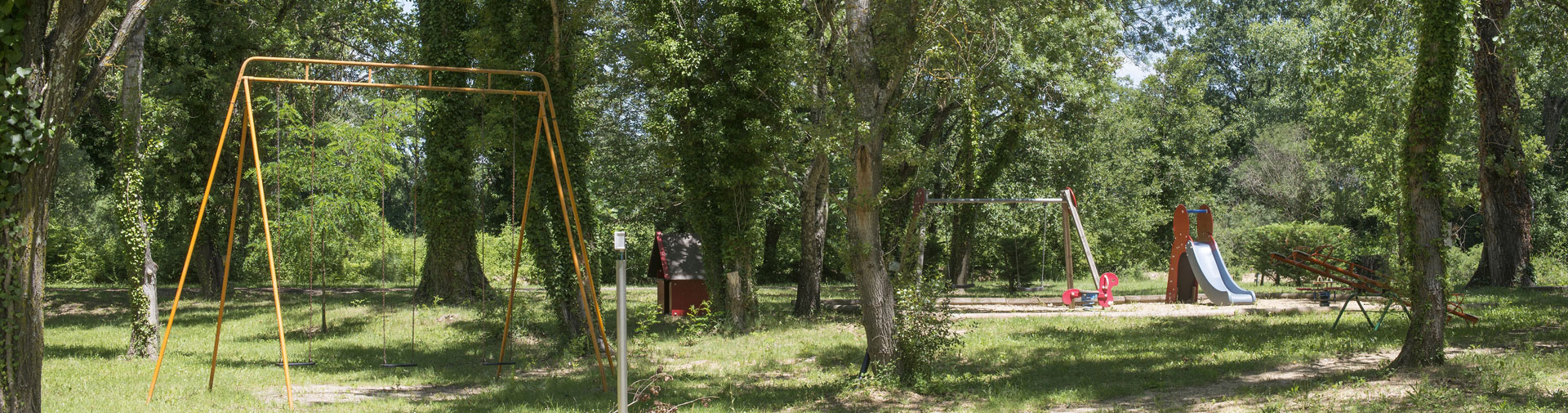 camping-gard-terrain-de-jeux