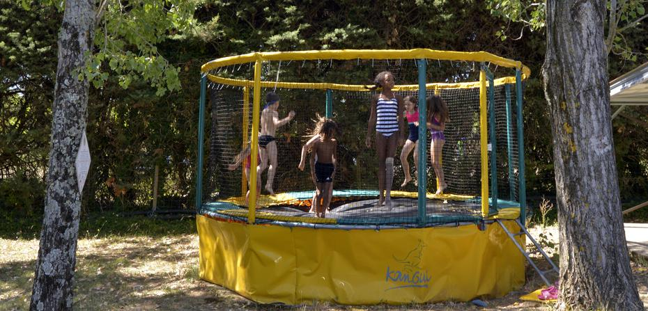 camping-gard-trempoline