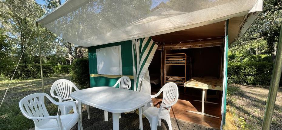 camping-gard-bungalow-exterieure