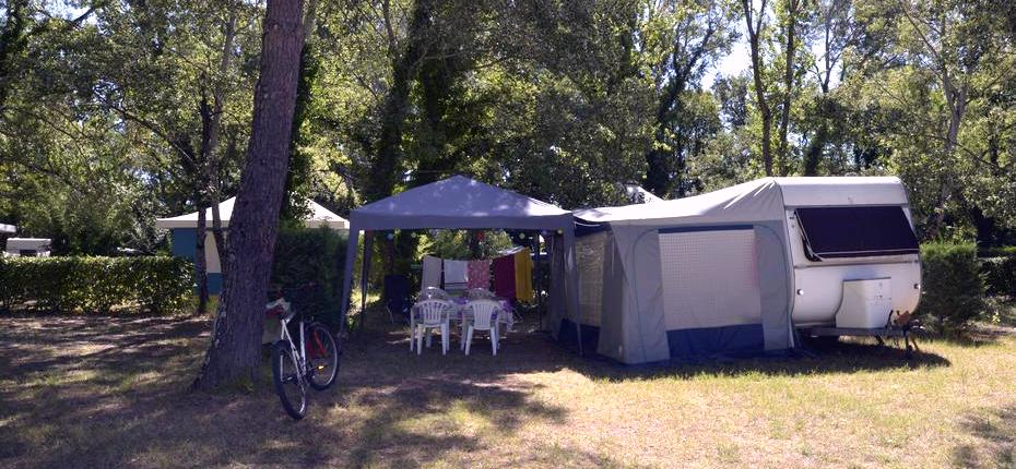 Emplacement caravane camping Gard