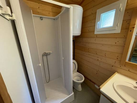 camping-gard-location-chalet-5p-salle-d-eau