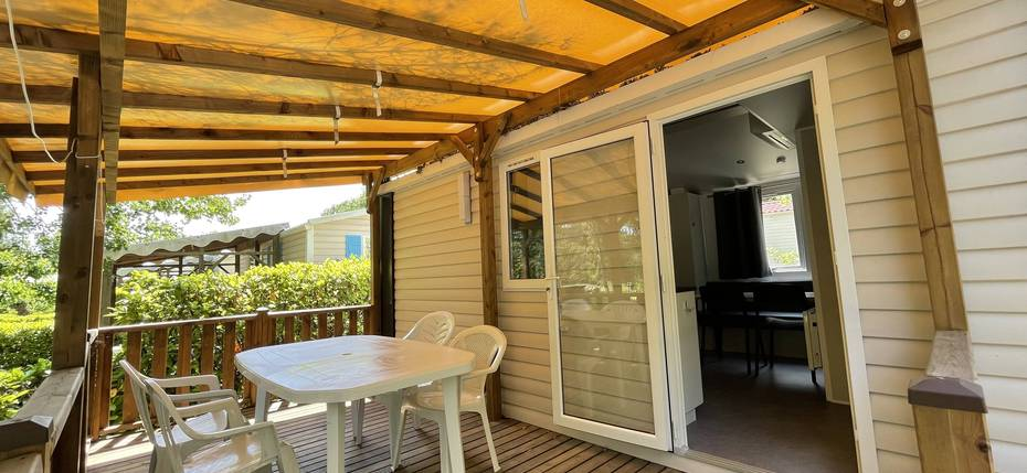 location-camping-gard-mobilhome-4p-terrasse-couverte